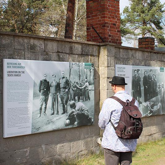 Ausstellung zur Befreiung in der Gedenkstätte Sachsenhausen